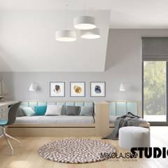 Habitaciones juveniles de estilo  por MIKOŁAJSKAstudio , Ecléctico