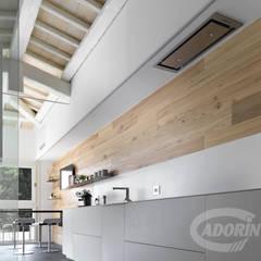 """Parquet Olmo """"de Casera"""" Pareti & Pavimenti in stile moderno di Cadorin Group Srl - Top Quality Wood Flooring Moderno Legno Effetto legno"""