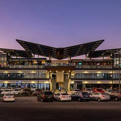 مراكز تسوق/ مولات تنفيذ IAARQ (Ibarra Aragón Arquitectura SC), حداثي