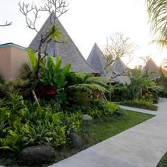 Hotels by WaB - Wimba anenggata architects Bali, Eclectic Concrete