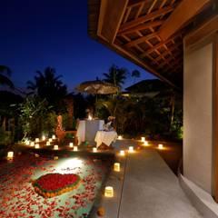 : Hotels oleh WaB - Wimba anenggata architects Bali, Eklektik Kayu Wood effect