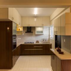 آشپزخانه توسطEnliven Interiors, استوایی