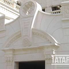 قصر الفلاحي  في دولة الامارات العربية:  منازل تنفيذ tatari company, كلاسيكي حجر