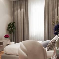 Dormitorios pequeños de estilo  por Công ty TNHH kiến trúc xây dựng nội thất An Phú , Asiático Compuestos de madera y plástico