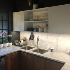 Dapur Klasik Oleh Nuclei Lifestyle Design Klasik