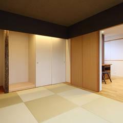 Media room by Studio tanpopo-gumi 一級建築士事務所, Asian