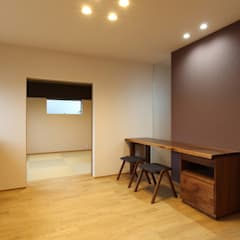 Study/office by Studio tanpopo-gumi 一級建築士事務所, Asian