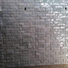 منزل عائلي صغير تنفيذ W e R Pedras Decorativas , ريفي حجر