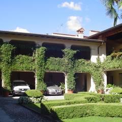 Villas by greco consolida srl , Rustic