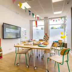 โรงเรียน โดย UVE laboratorio de diseño, สแกนดิเนเวียน