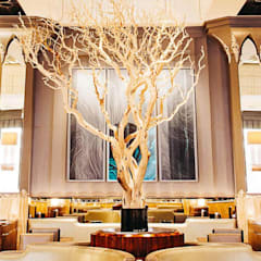 Bespoke Lighting for Fera at Claridges من Collier Webb إنتقائي