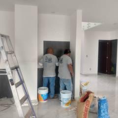 PORCELANATO EN MUROS Paredes y pisos de estilo moderno de JBConstrucciones, Diseños, Acabados y Desazolves Moderno Cerámico