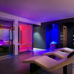 Hoteles de estilo minimalista de DAR-studio Minimalista