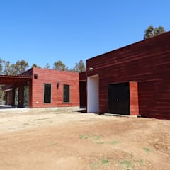 Prefabricated home by Montgreen Ecomodular, Mediterranean