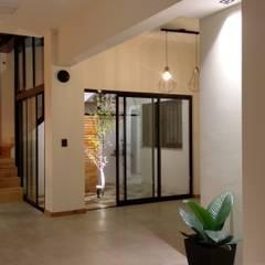 Casa AFt Comedores escandinavos de Singular Arquitectura Escandinavo