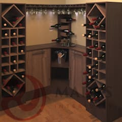 Scandinavian style wine cellar by MADYS INTERIORES Scandinavian