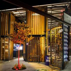 Terrazas de estilo  por Boutique de Arquitectura ¨Querétaro [Sonotectura+Refaccionaria], Industrial Concreto