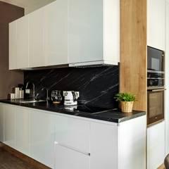 Квартира на Кутузовском, Москва (реализация проекта) Кухня в стиле лофт от Interior designers Pavel and Svetlana Alekseeva Лофт