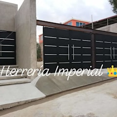 Garage Doors by Herreria y Aluminio Imperial, Minimalist Iron/Steel