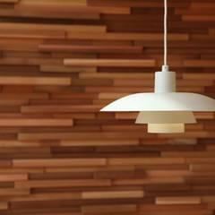 デッキとつながる家 北欧スタイルの 壁&床 の 株式会社高野設計工房 北欧
