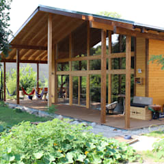 من THULE Blockhaus GmbH - Ihr Fertigbausatz für ein Holzhaus إسكندينافي خشب Wood effect