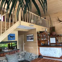 Stairs by THULE Blockhaus GmbH - Ihr Fertigbausatz für ein Holzhaus, Scandinavian Wood Wood effect