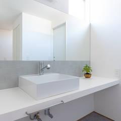 Modern walls & floors by あかがわ建築設計室 Modern
