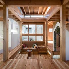 Stairs by FUMIASO ARCHITECT & ASSOCIATES/ 阿曽芙実建築設計事務所, Scandinavian