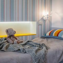 Дух путешествий: Спальни для девочек в . Автор – ARTWAY центр профессиональных дизайнеров и строителей, Модерн