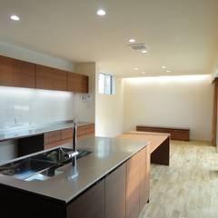 آشپزخانه توسط岩泉建築設計スタジオ, اکلکتیک (ادغامی) چوب Wood effect