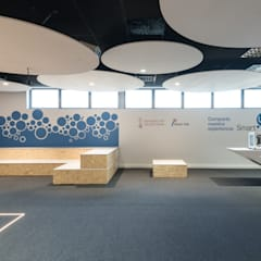 Sala Smart·Lab Edificios de oficinas de estilo moderno de HULOT arch. studio Moderno