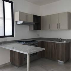 Kleine keuken door ffelix architecture, Modern Spaanplaat
