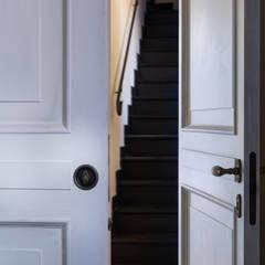 Puertas interiores de estilo  por Opendoor Italia, Clásico