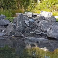 Cascade et bassin: Jardin zen de style  par JARDIN JAPONAIS, Asiatique Granite