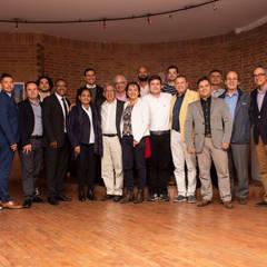 JUNTA DIRECTIVA 2019: Salas multimedia de estilo  por Sociedad Colombiana de Arquitectos, Moderno