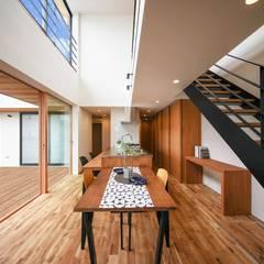 木風の家: STaD(株式会社鈴木貴博建築設計事務所)が手掛けたダイニングです。,オリジナル