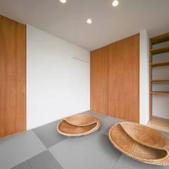 Media room by STaD(株式会社鈴木貴博建築設計事務所), Eclectic