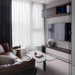 小天地 The little world 现代客厅設計點子、靈感 & 圖片 根據 泛設計 現代風