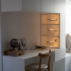APARTAMENTO CENTRO DE LISBOA - DESIGN DE INTERIORES Janelas e portas modernas por SOI Home&Store Design Moderno