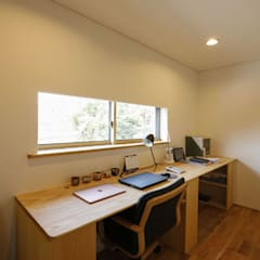 Study/office by 光風舎1級建築士事務所, Asian Wood Wood effect