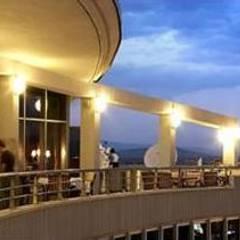من SERPİCİ's Mimarlık ve İç Mimarlık Architecture and INTERIOR DESIGN بحر أبيض متوسط الخرسانة