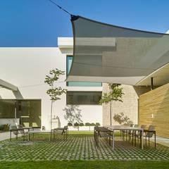 CASA MEDITERRÁNEA Jardines de invierno de estilo mediterráneo de Aguilar Arquitectos Mediterráneo