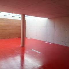 Garajes de estilo  por M91 ARQUITECTOS SLP, Minimalista