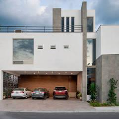 Modern houses by Nova Arquitectura Modern