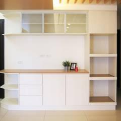 全室案例-新北市中和區:  客廳 by ISQ 質の木系統家具, 簡約風