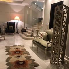 Couloir, entrée, escaliers classiques par lifestyle_interiordesign Classique