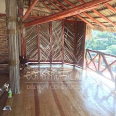 Gable roof by Construpalapa, Rustic Wood Wood effect