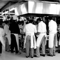 Built-in kitchens by PETRAM ARQUITECTURA, Industrial Iron/Steel