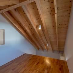 توسط 伊藤憲吾建築設計事務所 آسیایی کامپوزیت چوب و پلاستیک