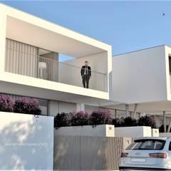 Habitação uni-familiar_Confeiteira - Braga por SERGIO PEIXOTO Moderno